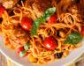 Шпагети со пармезан и чери домати